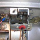 Установка электрозамка багажника — как правильно установить самостоятельно