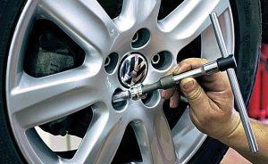 установка и демонтаж секреток для колес